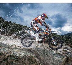 ktm six days 2015 Enduro Motocross, Ktm Exc, Moto Bike, Dirtbikes, Outdoor Fun, Cars And Motorcycles, Teeth, Racing, Outdoors