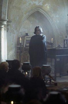 I love Snape Mundo Harry Potter, Harry Potter Cast, Harry Potter Universal, Harry Potter Characters, Harry Potter World, Severus Rogue, Slytherin Aesthetic, Harry Potter Pictures, Harry Potter Wallpaper