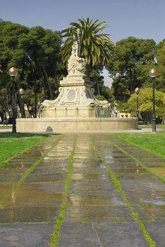 Efe22 - Escultura Neptuno, Paseo de los Plátanos, Parque Grande José Antonio Labordeta, Zaragoza