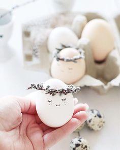 Sensational Easter Egg Decorating Ideas - Life Is Fun Silo Easter Egg Crafts, Easter Treats, Easter Gift, Happy Easter, Easter Bunny, Easter Eggs, Easter Decor, Ostern Party, Diy Ostern