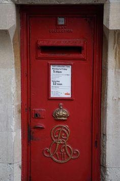 Post box at Windsor Castle.