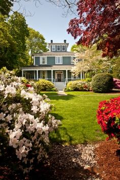 This is on my to do list!  Captain's Manor Inn, a unique southern plantation style bed and breakfast in Cape Cod.
