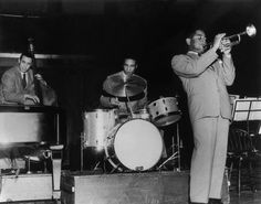 Charles Mingus, Max Roach and Dizzy Gillespie performing at Toronto's Massey Hall, May 15 1953 Memphis Slim, Jazz Trumpet, Charles Mingus, Dizzy Gillespie, Afro Cuban, Trumpet Players, Live Jazz, Soul Jazz, Kind Of Blue