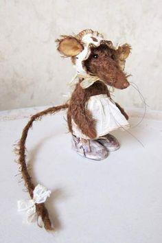 Sewing kit rat Vincenza by By Antonina Shantts | Bear Pile