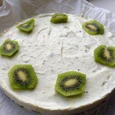Lente kwarktaart Vers Fruit, Healthy Recipes, Healthy Food, Kiwi, Camembert Cheese, Foodies, Lunch, Snacks, Baking