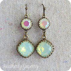 Opal Swarovski Mint und Pastell Opal lange von HeatherlyDesigns