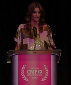 Stana presents the Golden Tripod Award for Best Actress in 2012