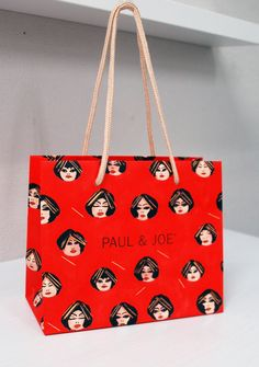 papaer bag Design Print Graphic Fashion 紙袋 デザイン 印刷 グラフィクデザイン ファッション Bag Packaging, Packaging Design, Paper Bag Wrapping, Paper Bags, Shoping Bag, Shopping Bag Design, Paper Bag Design, Clothing Packaging, Printing On Tissue Paper