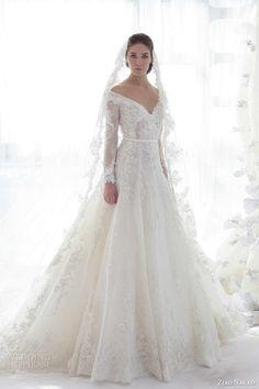 Spanish bride gown #spanishwedding