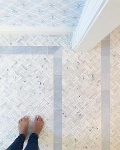 toe the line 👌🏼 Bathroom Floor Tiles, Downstairs Bathroom, Bathroom Interior Design, Bath Remodel, White Decor, Beautiful Bathrooms, Tile Design, Bathroom Inspiration, Bathroom Ideas