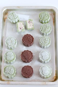 my bare cupboard: Matcha and chocolate snowskin mooncake with mung bean filling and some with homemade ( almost ) Cherry Garcia ice cream Dessert Dishes, Dessert Recipes, Matcha, Mooncake Recipe, Cake Festival, Springerle Cookies, Mung Bean, Almond Cookies, Asian Desserts
