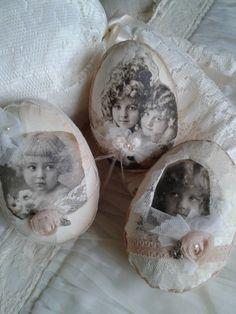 Papiermache eieren met oud prentje -kant etc. Nelleke Verkouter