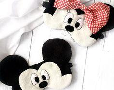 Mickey Mouse sleep mask Minnie Mouse Disney Sleep mask for Diy Eye Mask, Eye Masks, Mouse Mask, Minnie Mouse, Mask For Kids, Disney Crafts, Sleep Mask, Felt Ornaments, Doll Accessories