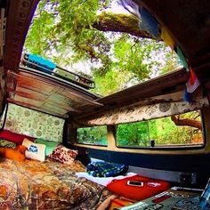 Open top: Perfect for tree and star watching Surf Bus Baby in a Hammock Van Life - Creative Vans Bus Life, Camper Life, Diy Camper, T3 Vw, Volkswagen Bus, Mercedes Sprinter Camper, Van Dwelling, Kombi Home, Van Home