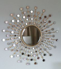 32 Ideas Diy On Budget Gold Sun Burst Mirror For An Amazing Living Room Wall, Mirror designs add an effortless means to. Although this mirror might appear to be a simple lighted piece, it is much more than that. The mirror has a. Mirror Art, Diy Mirror, Mirror Crafts, Mirror Ideas, Diy Wall Decor, Diy Home Decor, Sunburst Wall Decor, Room Decor, Spiegel Design