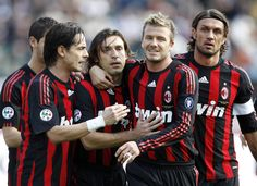 David Beckham and fellow team mates of Milan Team celebrate during the Serie A match between AC Siena and AC Milan at the Artemio Franchi Stadio on MARCH 2009 in Siena, Italy. Bbc Sport Football, Argentina Football Team, But Football, Milan Football, Legends Football, Football Icon, Best Football Players, Soccer Players, England National Football Team