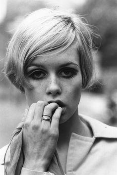 Frisur von Twiggy setzte schon 1966 Standards in Sachen Kurzhaarschnitte - und ist auch 2014 noch eine sichere Bank für Freunde des Sixtie-Looks