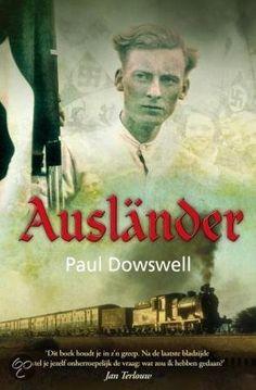 (23/52) Auslander - Paul Dowswell. Berlijn 1941 : het kloppende hart van het naziregime. Pjotr, met zijn blauwe ogen en lichtblonde haren, ziet eruit als de ideale Arische jongen op de Hitler Jugendposter. Hij heeft niets te vrezen. Of toch wel