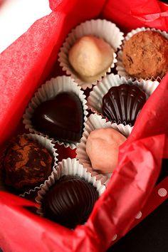 LES BON BONS CHOCOLAT
