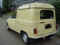 Peugeot 204, Console Centrale, Coffee Van, French Classic, Unique Cars, Commercial Vehicle, Car In The World, Roof Rack, Old Cars