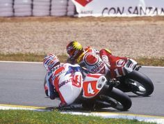 Michael Doohan and Kevin Schwantz Donington Park 1994 Besties, Racing Motorcycles, Road Racing, Sport Bikes, Grand Prix, Motorbikes, Honda, Vintage, Pilots