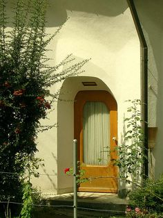 Anthroposophic Architecture: Sculpted Wall and Entrance Area on Older House by Horst Kiechle