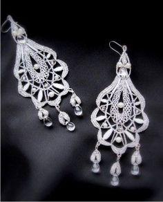 Klára    Bobbin Lace earrings.