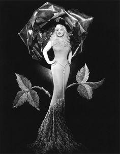 Happy Birthday Mae West (August 17, 1893 – November 22, 1980) #VintageHollywood