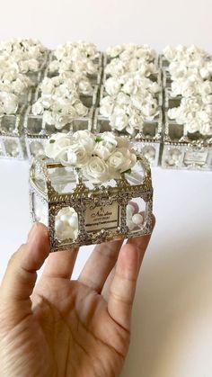 Handmade Wedding Favours, Wedding Gift Boxes, Wedding Gifts For Guests, Wedding Table, Decoration Evenementielle, Bridesmaid Favors, Diy Wedding Decorations, Wedding Invitation Cards, Wedding Designs