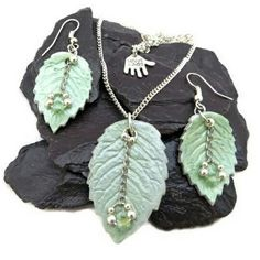 New set of OOAK leaf jewellery made from eco friendly paperclay with Swarovski crystal bead accents.   From picnics in the park to dancing after dark, the set is a gorgeous summer fashion accessory.