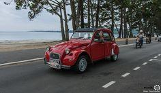 #Citroën #2CV au Tour de #Bretagne. #MoteuràSouvenirs Reportage complet : http://newsdanciennes.com/2016/05/19/tour-de-bretagne-2016-vehicules-anciens-mer-soleil/ #ClassicCar #Vintage #Car