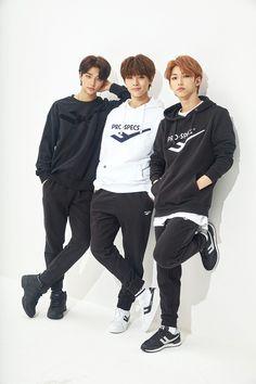How well do you know stray kids? Rapper, Felix Stray Kids, Kid Memes, Kids Wallpaper, Wallpaper Quotes, Lee Know, Kpop Boy, Lee Min Ho, Minho