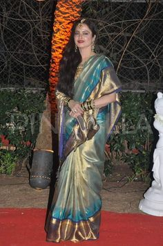 Rekha graces Ahana Deol's Wedding Reception | PINKVILLA