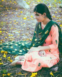 Punjabi Suit - Punjaban Instagram : Nikonwaala