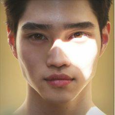 sunlight, portrait, male, close up shot of face, eyes
