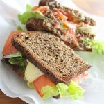 Sandwich gerookte zalm & kerrie saffraan mayonaise - Vertruffelijk