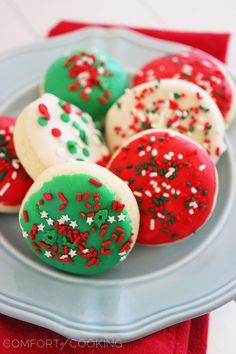 Soft Frosted Lofthouse-Style Cookies- you can always change the color of the frosting and sprinkles to fit the holiday season!