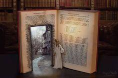 Step Into the World of Books I Love Books, Books To Read, My Books, Film Books, Pics Of Books, World Of Books, Book Nooks, Reading Nooks, Altered Books
