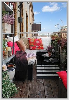 Small Patio Ideas - love it all except for the view of the air conditioner.