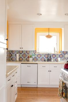 Add pop to kitchen. What's the best colourful pattern?