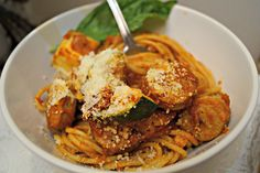 Ragu Homestyle Thick and Hearty Pasta Sauce helps me keep the tradition of…