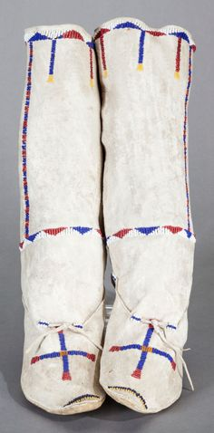 Apache Woman Boot Moccasins.