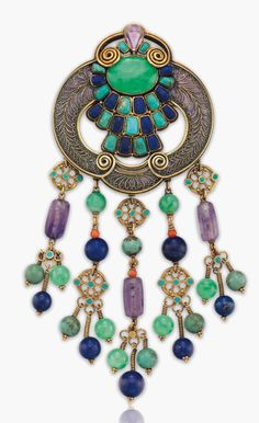 Louis C. Tiffany is best known for his lamps, but his jewellery — characterised by intense colours, unusual stones and exotic motifs — has also become highly prized Enamel Jewelry, Jewelry Art, Vintage Jewelry, Jewelry Design, Jewellery Box, Tiffany Art, Tiffany Jewelry, Diamond Brooch, Art Deco Diamond
