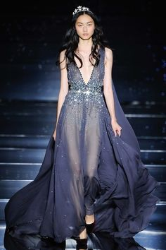 See the complete Zuhair Murad Fall 2015 Couture collection.