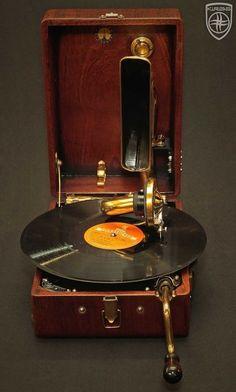 Vintage Records, Vintage Music, Retro Vintage, Gramophone Record, Vintage Television, Retro Radios, Record Players, Phonograph, Vintage Designs