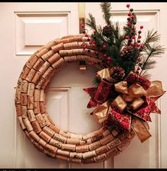 Wine Cork Wreath от MindHeartandHand на Etsy