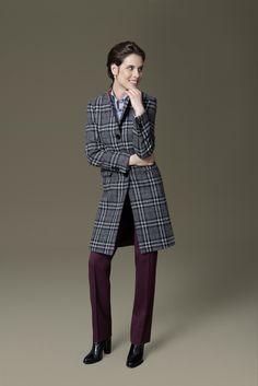 Ein unverzichtbarer Mantelklassiker ist der Blazermantel. Geben Sie Ihrem DOLZER Mantel nach Maß durch auffällige Stoffe wie z.B. ein großes Karomuster eine innovative Note. Ob als Glencheck-, Tartan- oder Vichy-Variante, quadratische Muster zeigen sich in Herbst und Winter vielfältiger denn je.