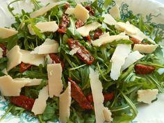 Ensalada de rúcula con tomates secos en aceite | Cocina