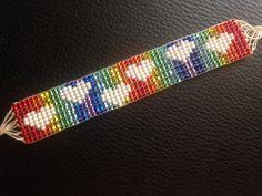 😊👍🎉 Embroidery Alphabet, Learn Embroidery, Beaded Embroidery, Embroidery Designs, Seed Bead Patterns, Beading Patterns, Bead Loom Designs, Crochet Hook Set, Bead Loom Bracelets