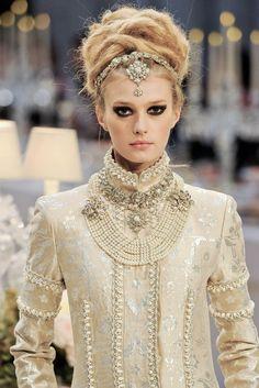 highqualityfashion:   Chanel Pre-Fall 2012